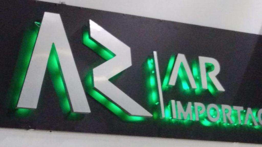 anuncio aluminio con luz led rgb